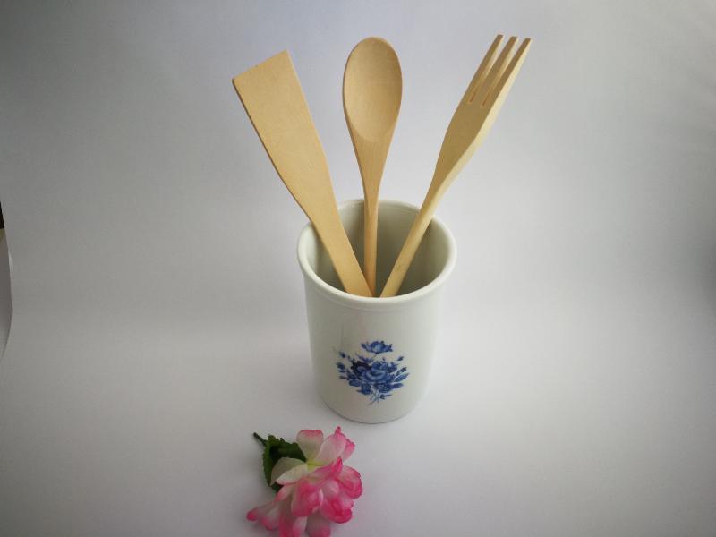 Bote de cocina con utensilios de madera flor azul ref for Bote utensilios cocina