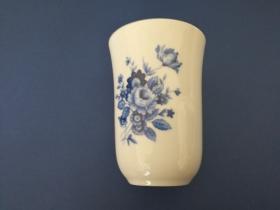 Accesorios baño de encimera en porcelana 963 - Jabonera de porcelana Roma flor azul