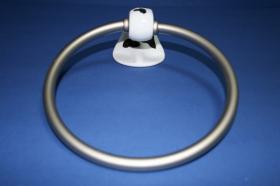 Accesorios baño en latón y porcelana 302 - Anilla lavabo pared Agua acerado