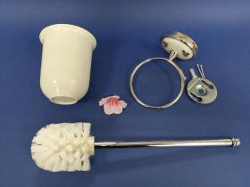 Accesorios baño en latón y porcelana 192 - Escobillero pared Dor cromo
