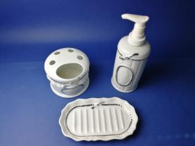 Accesorios baño de encimera en porcelana 5661 - Juego 3 piezas de porcelana Lazo filo cromo