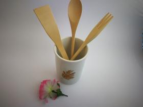 Complementos de baño 8016 - Bote de cocina con utensilios de madera flor oro