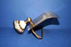 Accesorios baño en latón y porcelana 554 - Portarrollos con tapa pared Conic