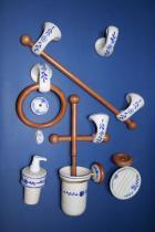 Accesorios de pared Clásico  Accesorios baño en madera y porcelana