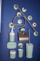 Accesorios de pared Lys  Accesorios baño en latón y porcelana