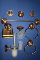 Accesorios de pared Sol  Accesorios baño en latón y madera