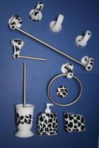 Accesorios de pared Agua  Accesorios baño en latón y porcelana
